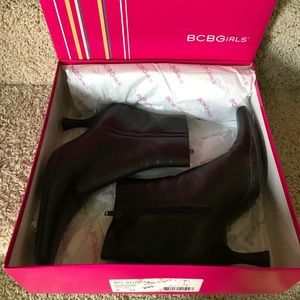 BCBG Shazam Mahogany Boots 👢